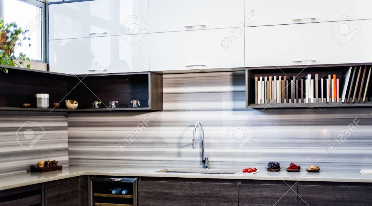 Design Contemporaneo Della Cucina In 3 Stili Diversi Armadi Da