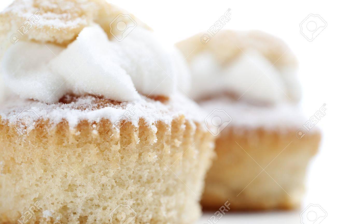 Frisch Gebackene Tasse Kuchen Mit Sahne Fullung Lizenzfreie Fotos