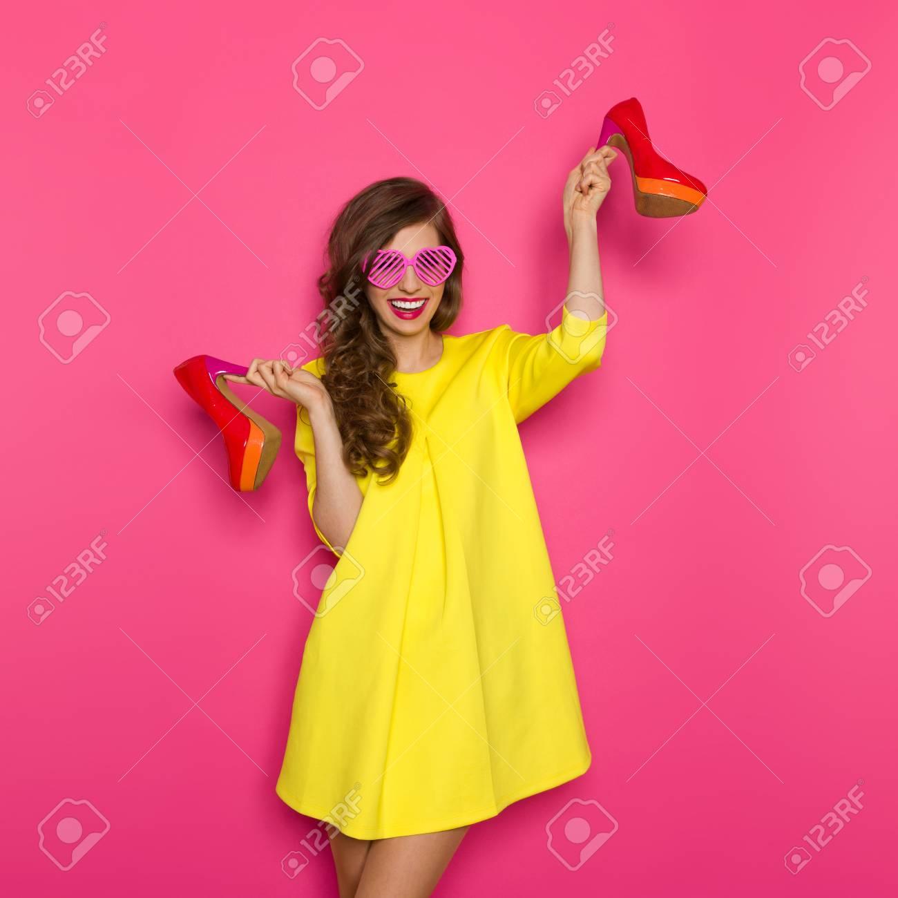 Bonito Vestido De La Dama Gris Y Amarillo Molde - Colección de ...