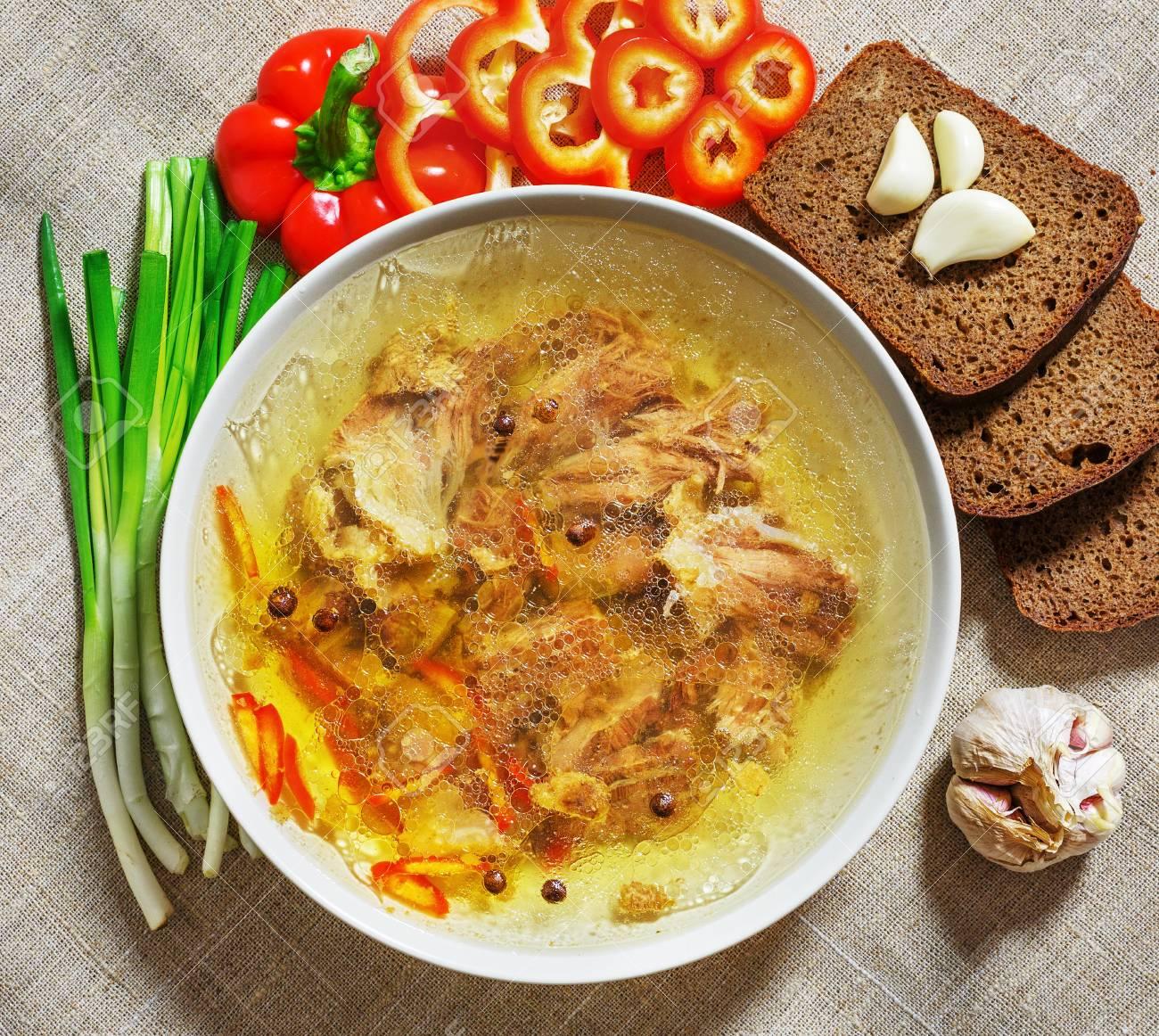 como se hace la sopa de ajo y cebolla