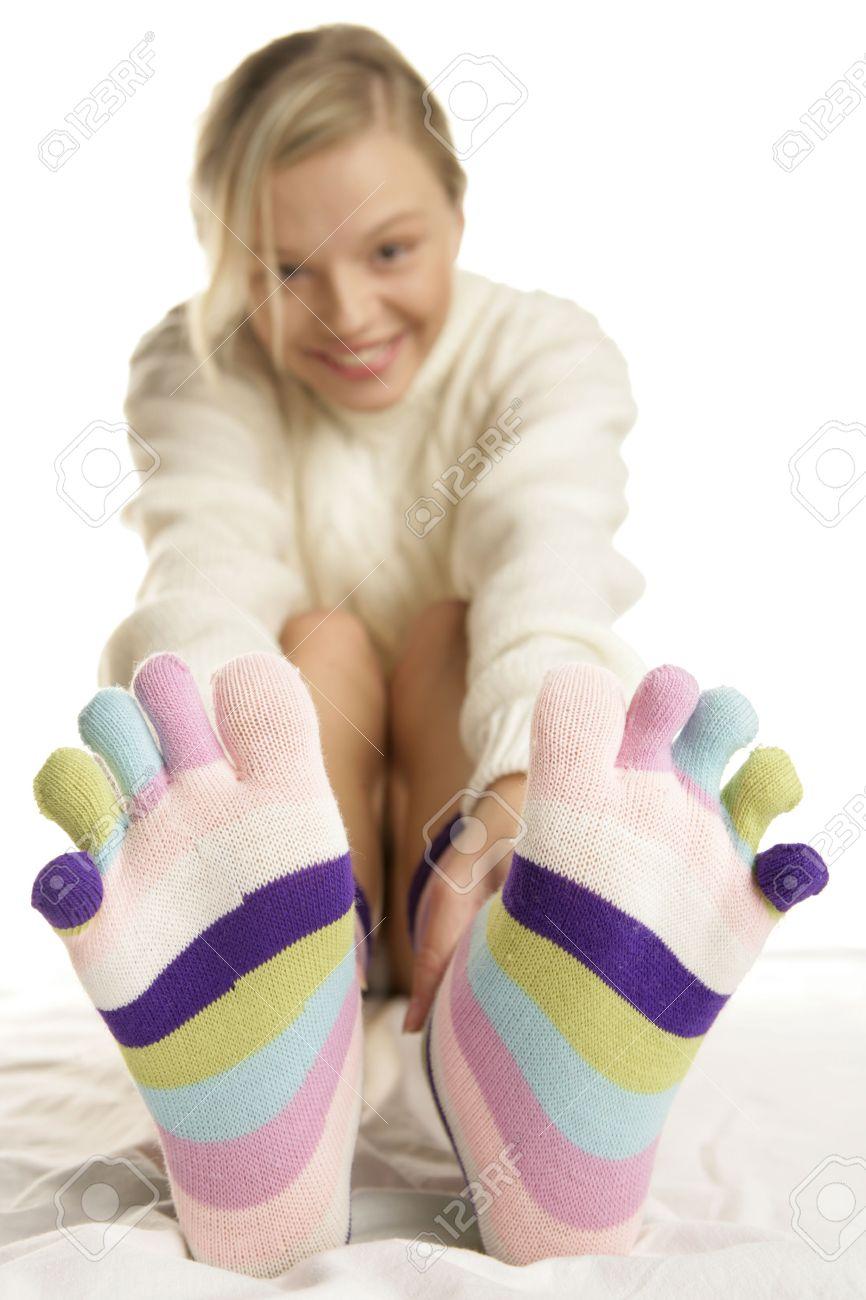 teen-teenager-pretty-blonde-female-feet-full