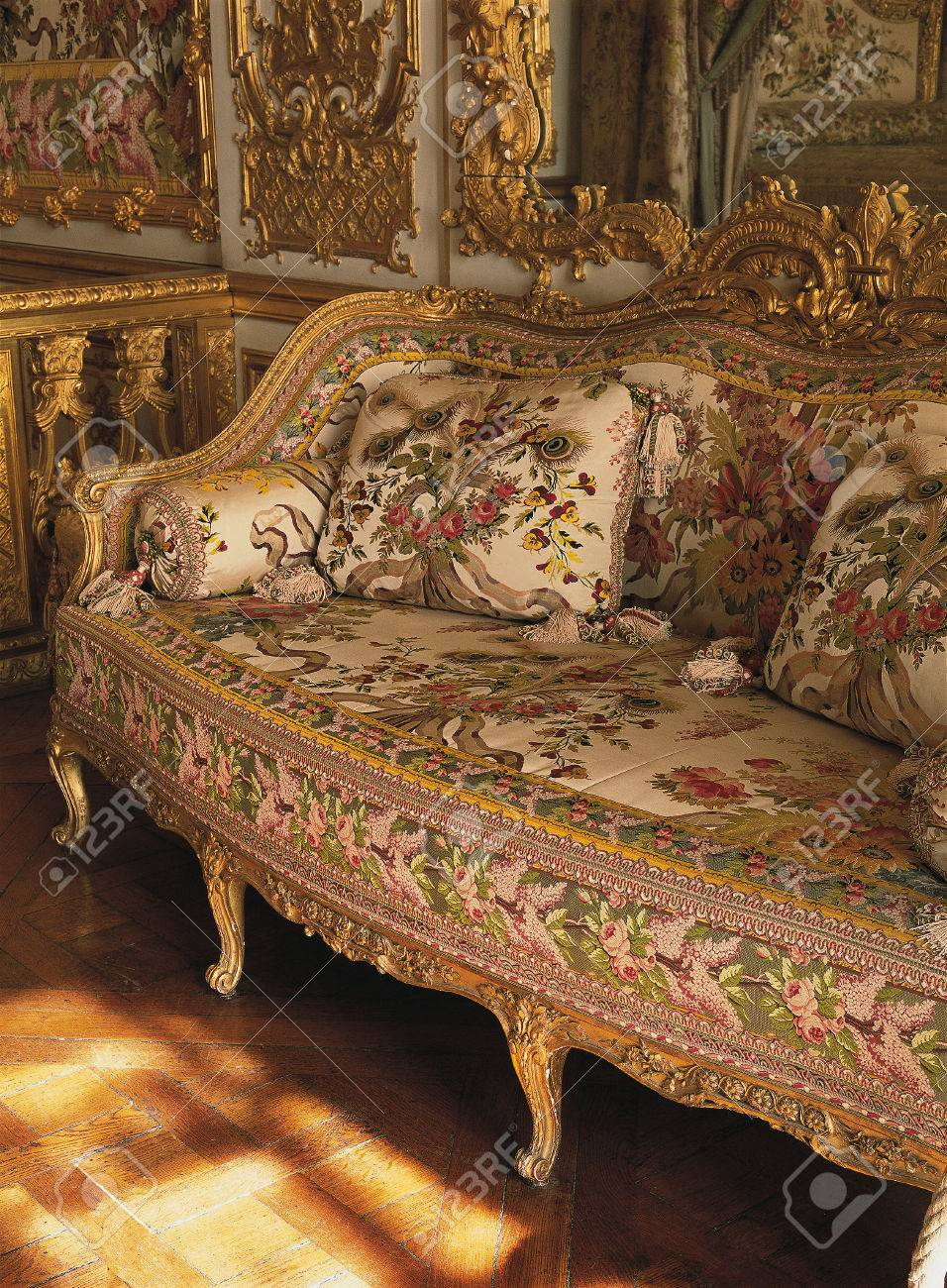 Incroyable Versailles, France   13 August 2014 : Furniture In Queen Marie Antoinette  Bedroom At Versailles