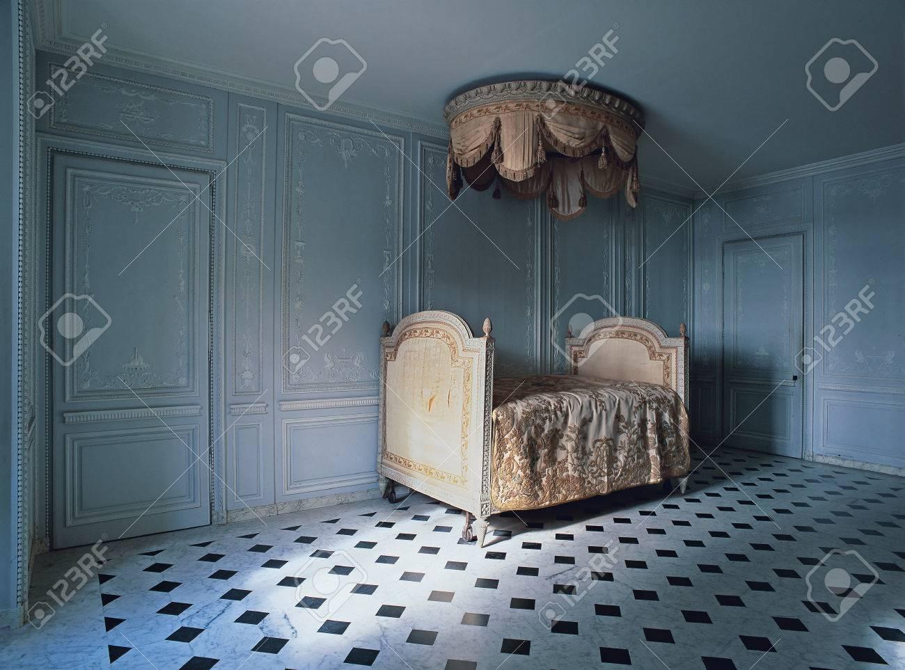 the bathroom of marie antoinette