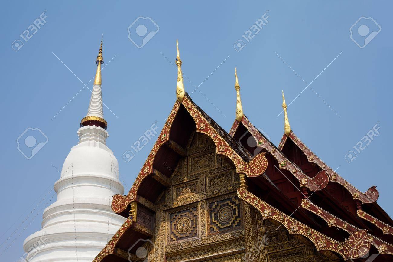 Gable apex wiht Big Pagoda of Lanna Thai temple Stock Photo - 12516604
