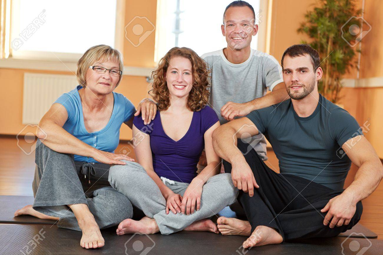 Portrait of men and women sitting in a health club Stock Photo - 16490216