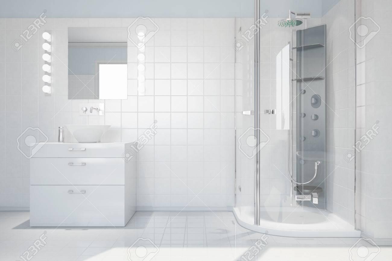 Interior Del Cuarto De Baño Blanco Brillante Con Lavabo Y Ducha ...