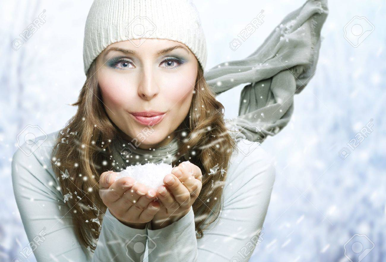 Winter Beauty Blowing Snow Stock Photo - 8253219