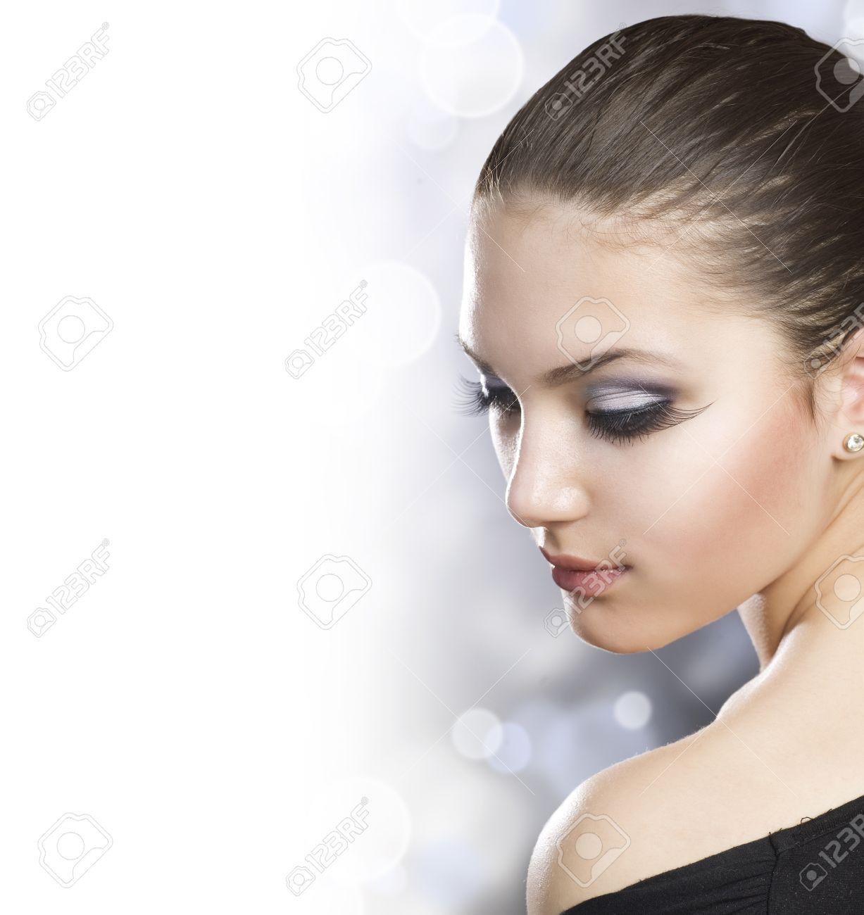 Beautiful Woman Portrait over white Stock Photo - 9091295