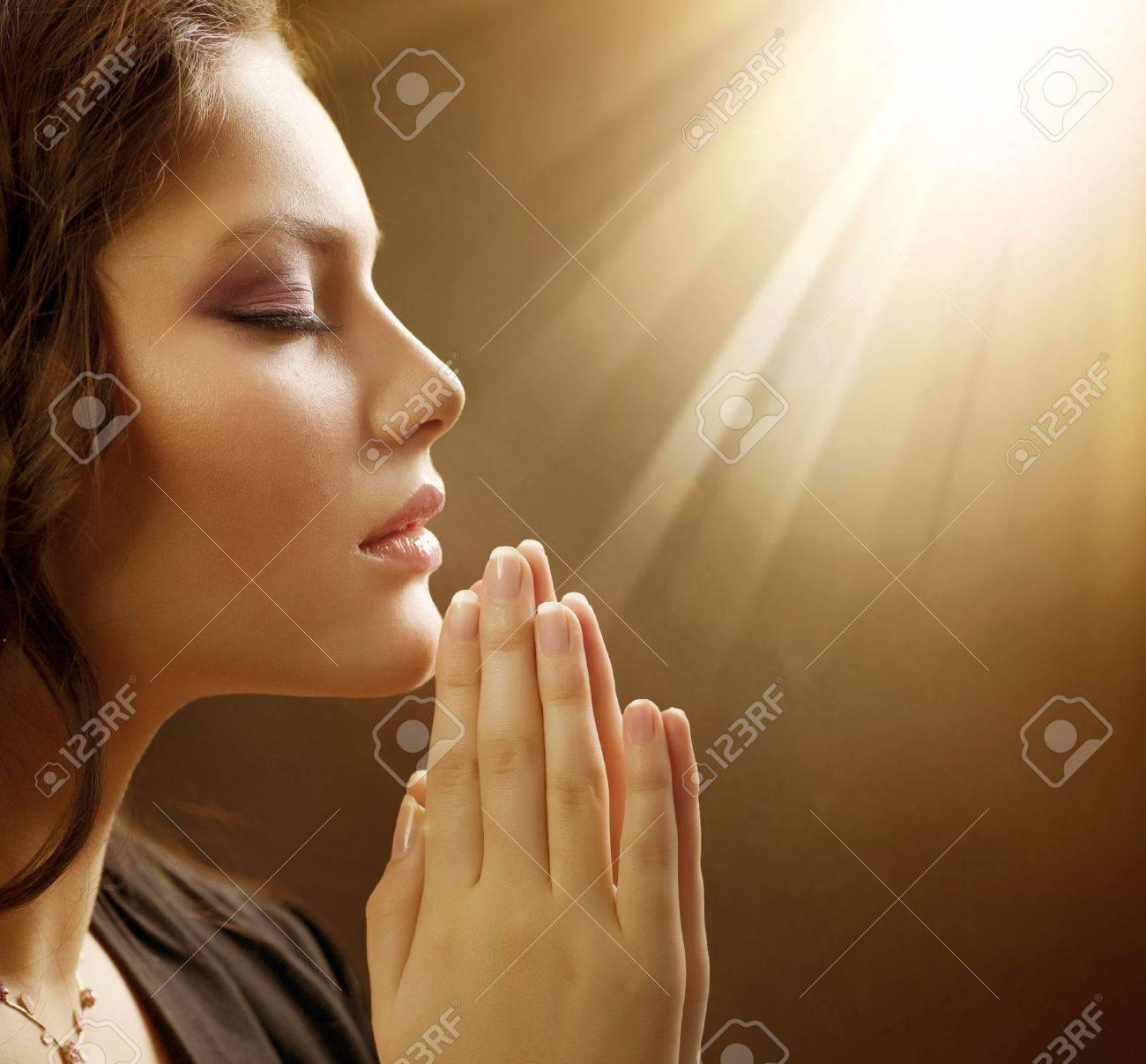 Woman Praying to Jesus Praying Praying Woman
