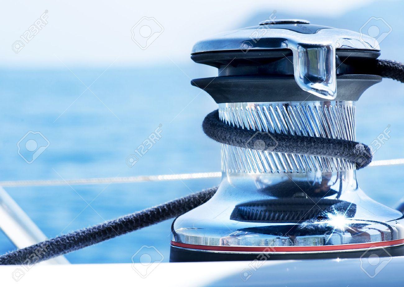 detalle winch veleros y yates de cuerda vela foto de archivo