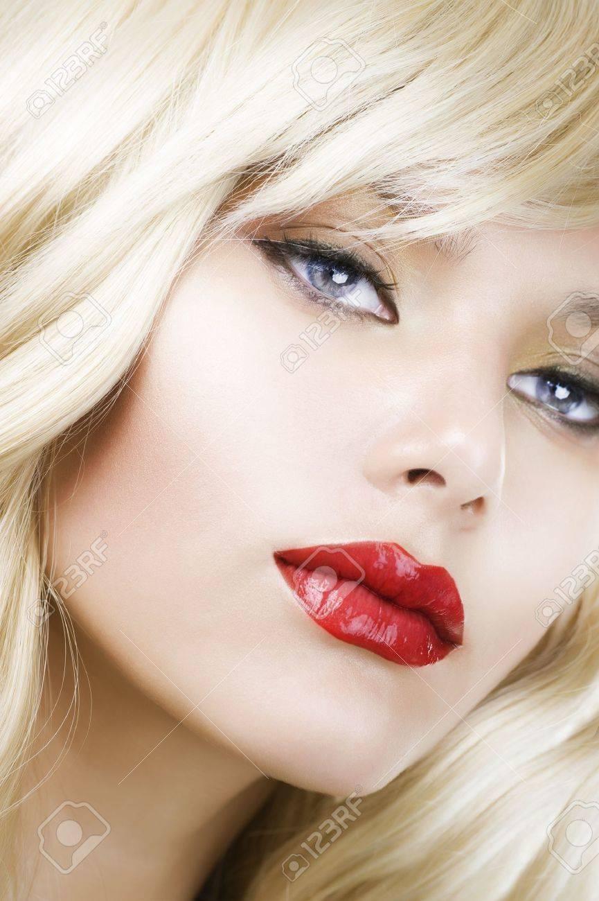Beautiful Blond Woman Portrait. Hairstyle. Makeup Stock Photo - 10689022