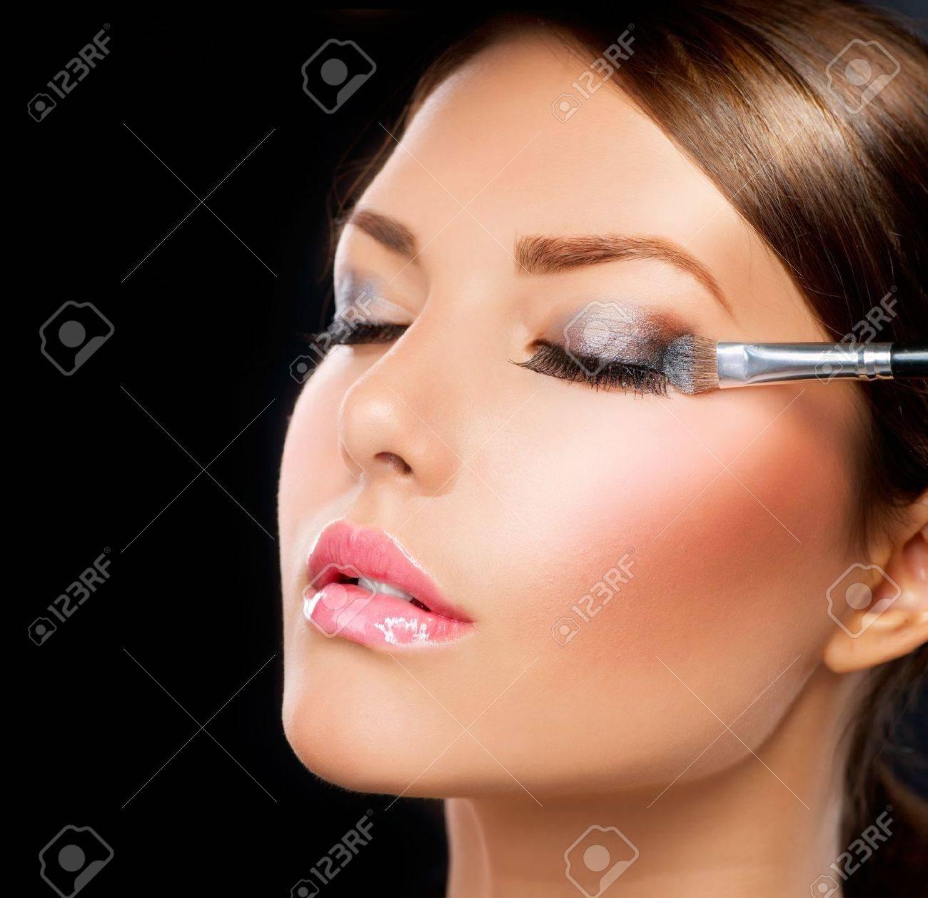 Make-up applying Eye shadow brush - 14622796
