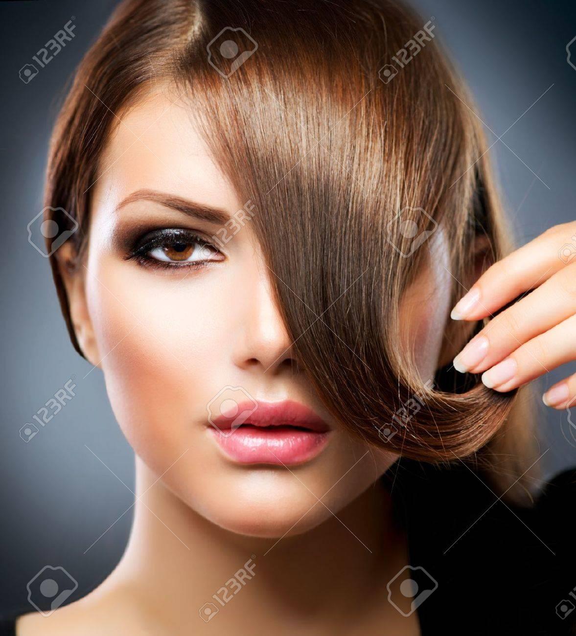 Hair Beauty Girl With Healthy Long Brown Hair - 14646687