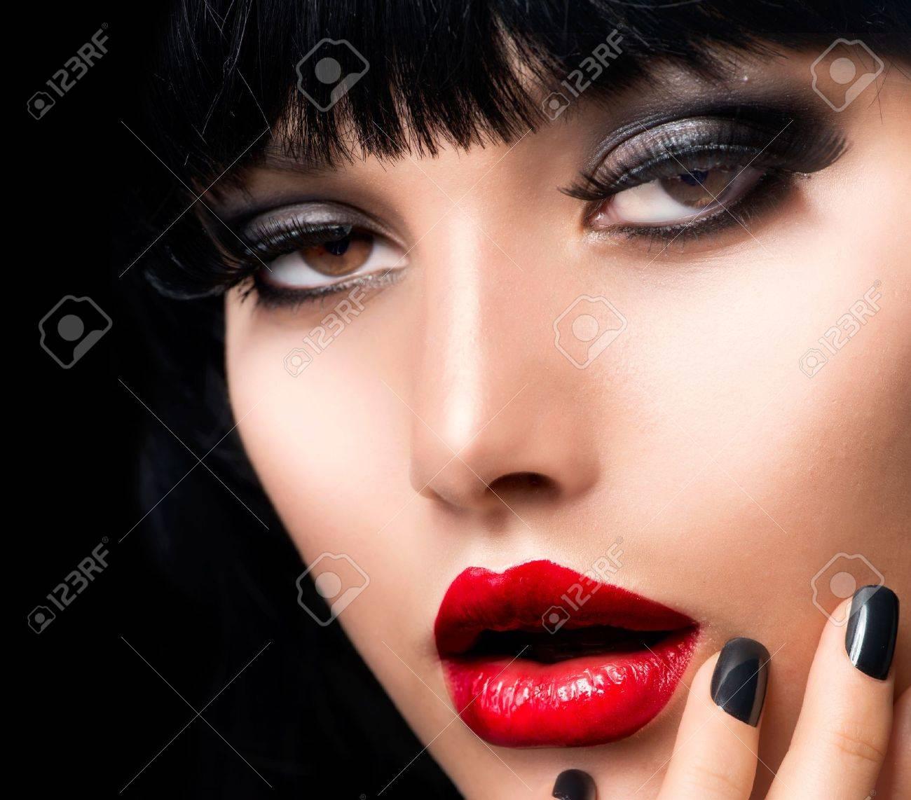 Beautiful Brunette Girl Portrait  Face  Makeup  Sensual Red Lips Stock Photo - 15658029