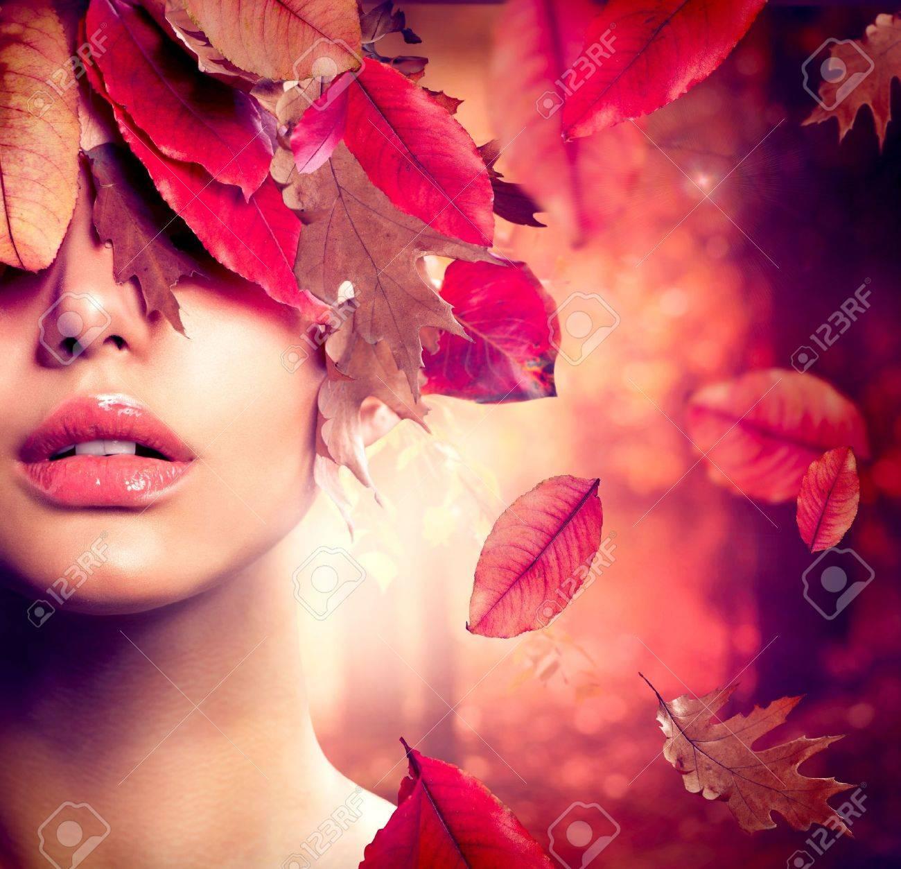 Autumn Woman Fashion Portrait  Fall Stock Photo - 15892343