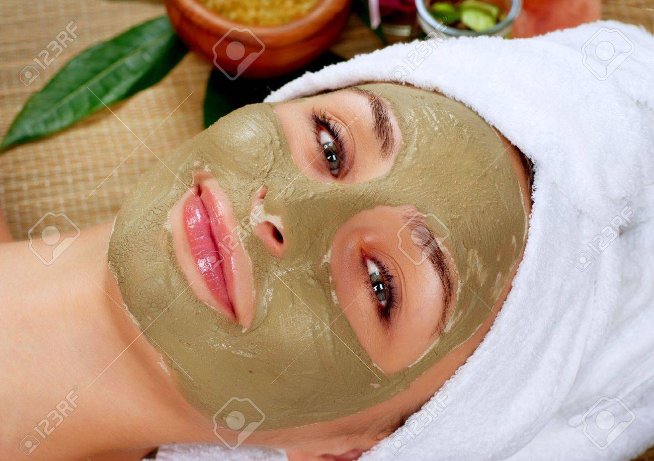 Spa Mud Mask  Woman in Spa Salon Stock Photo - 17772017