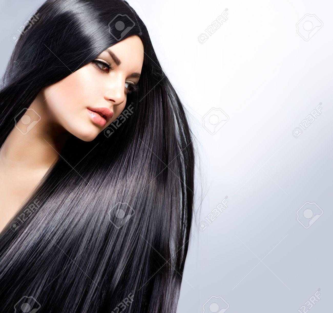 Beautiful Brunette Girl  Healthy Long Hair Stock Photo - 18294916