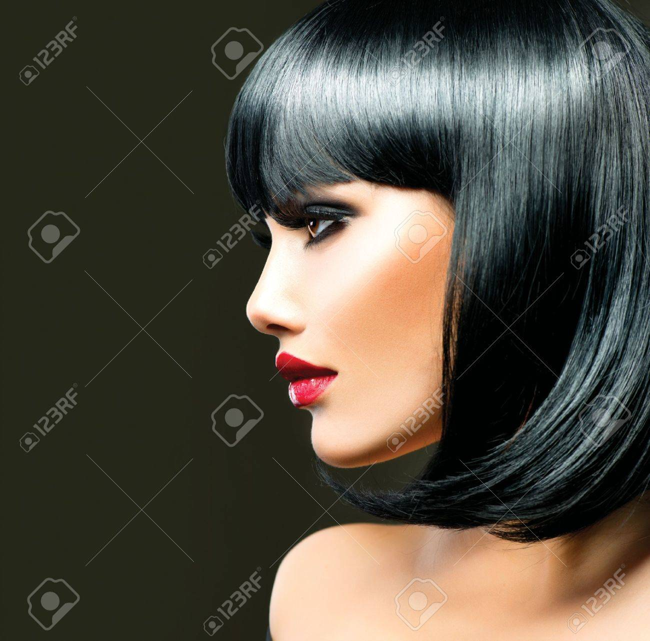 Beautiful Brunette Girl  Haircut  Hairstyle Stock Photo - 18713741