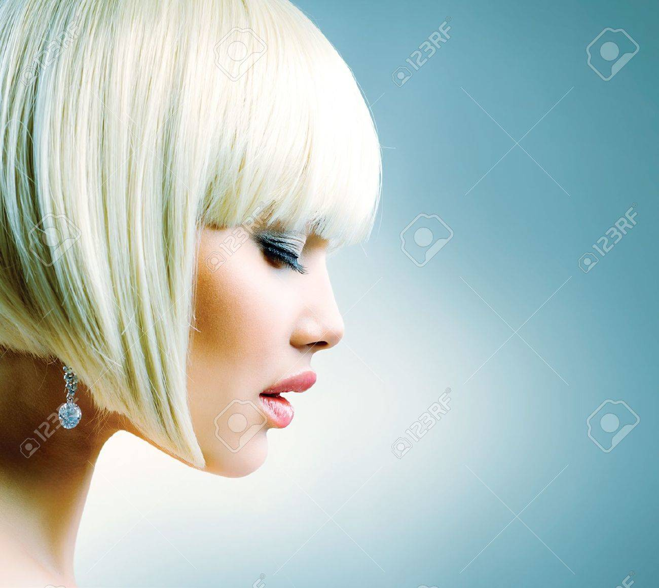 Beautiful Model with Short Blond hair Stock Photo - 18690596