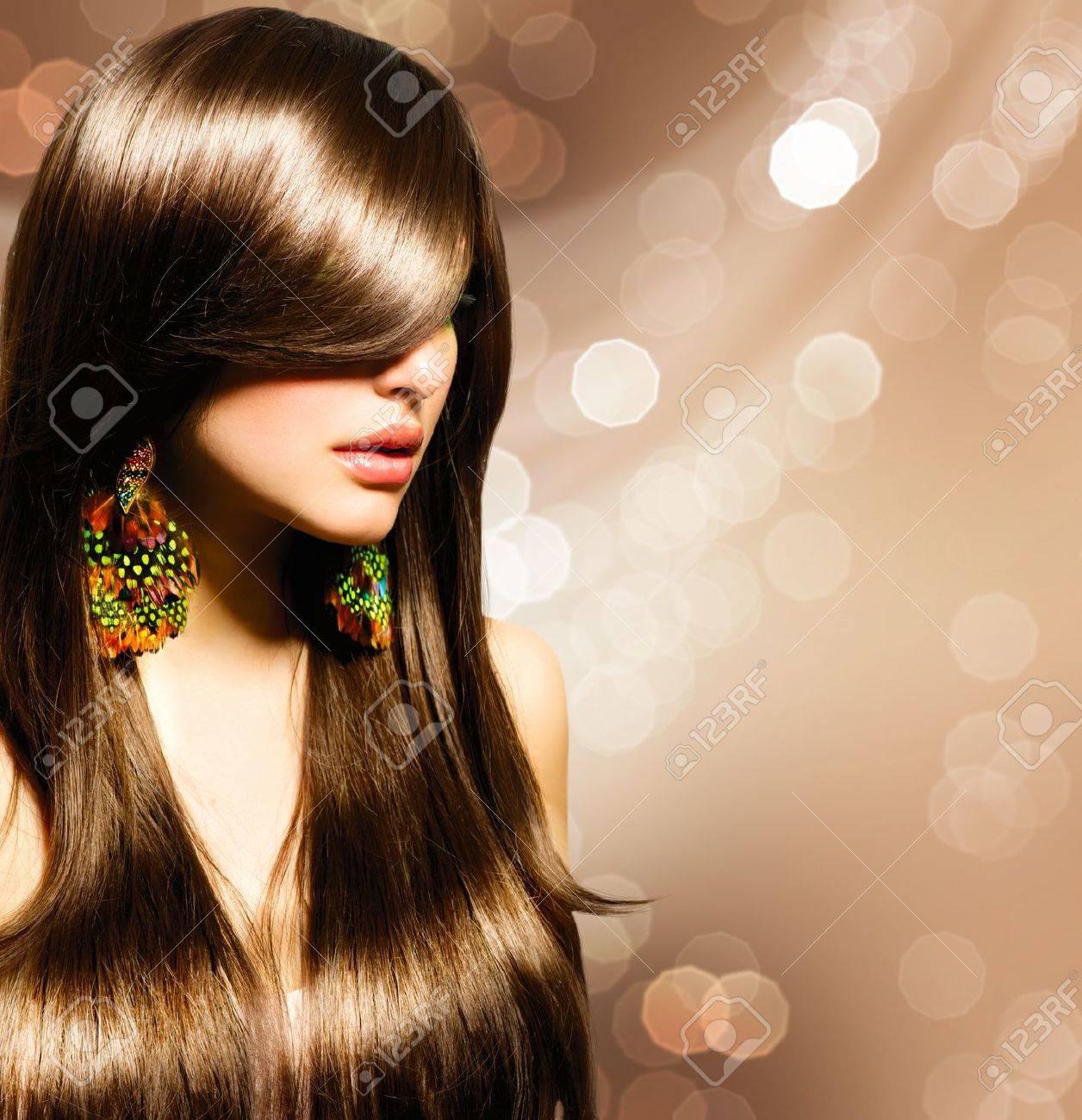 Beautiful Brunette Girl  Healthy Long Brown Hair Stock Photo - 18867413
