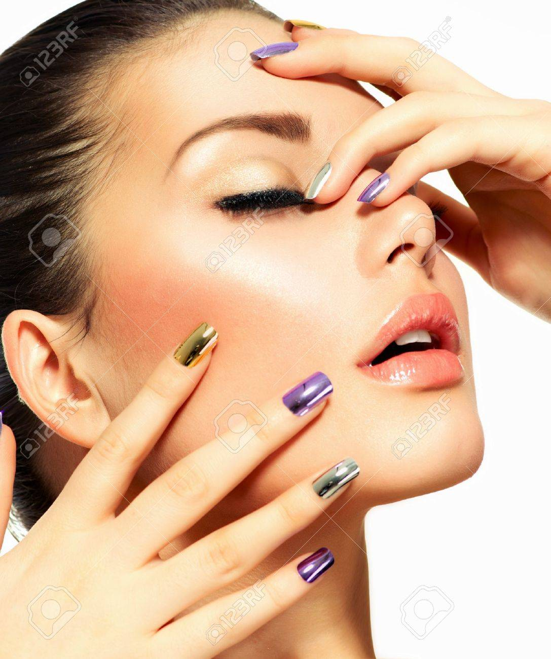 Beautiful Fashion Girl s Face  Make-up and Manicure Stock Photo - 19147280