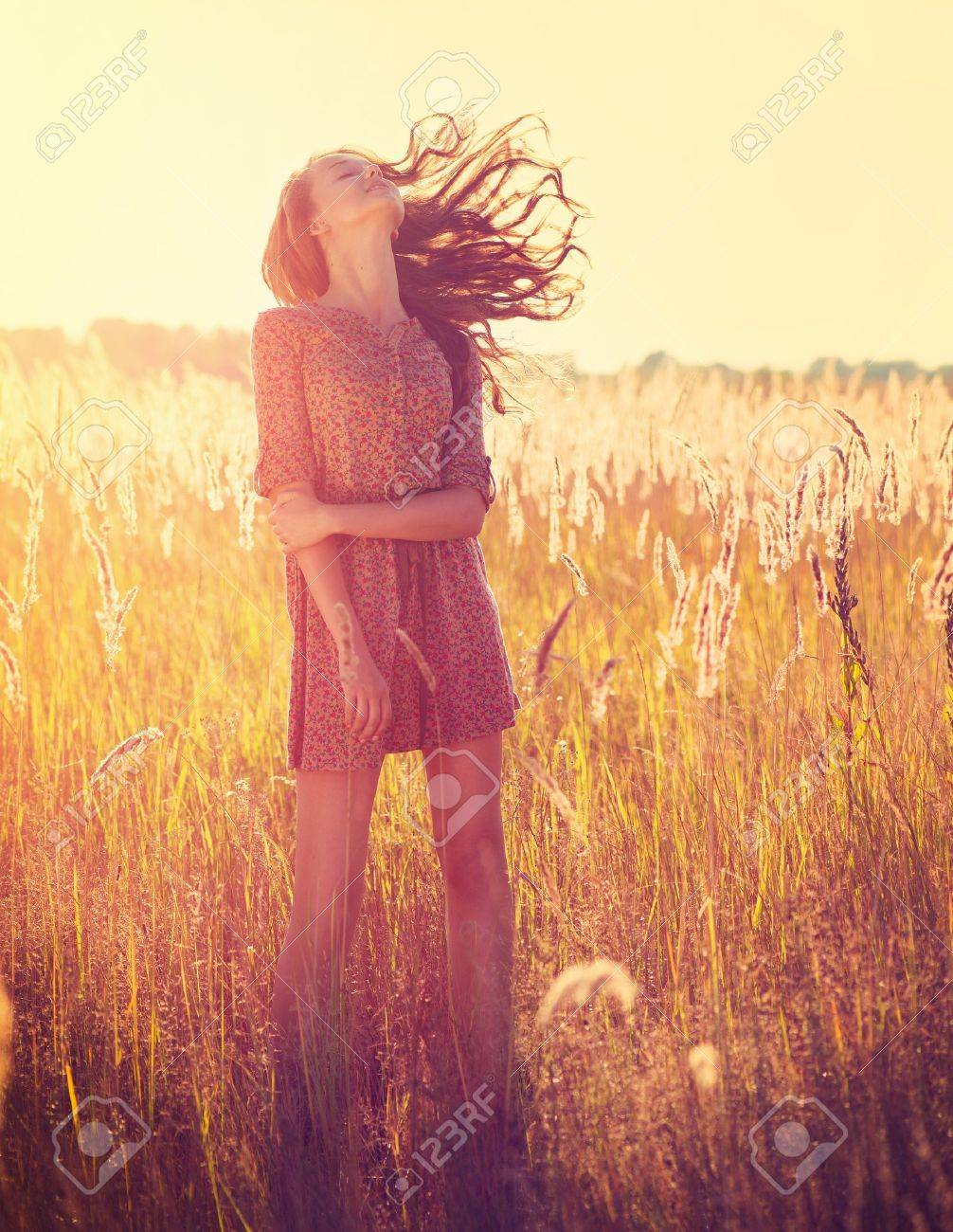 Beauty Romantic Girl Outdoors - 21564630