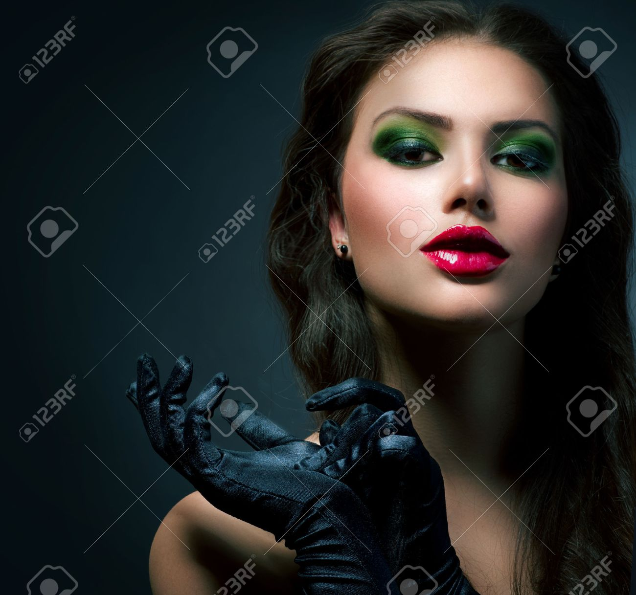 Beauty Fashion Glamour Girl  Vintage Style Model Wearing Gloves Stock Photo - 23419414