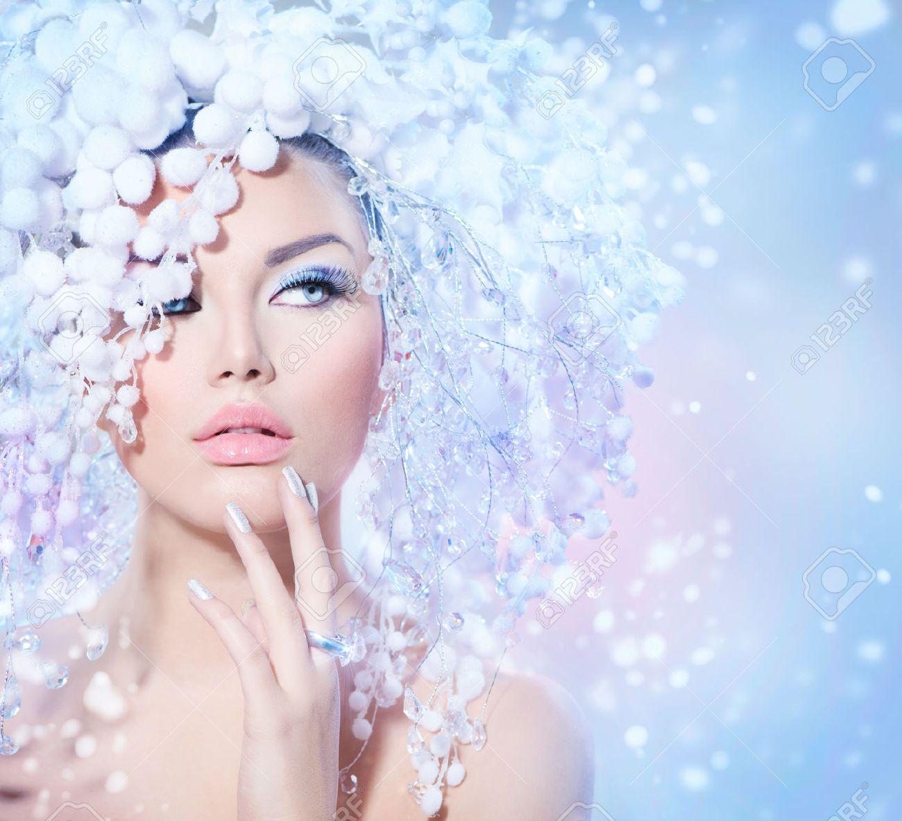 Winter Beauty Woman  Christmas Girl Makeup Stock Photo - 24331811