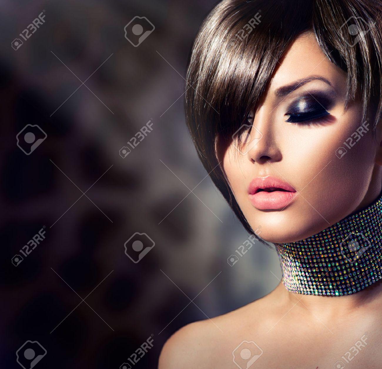 Fashion Beauty Woman Portrait Stock Photo - 24939623