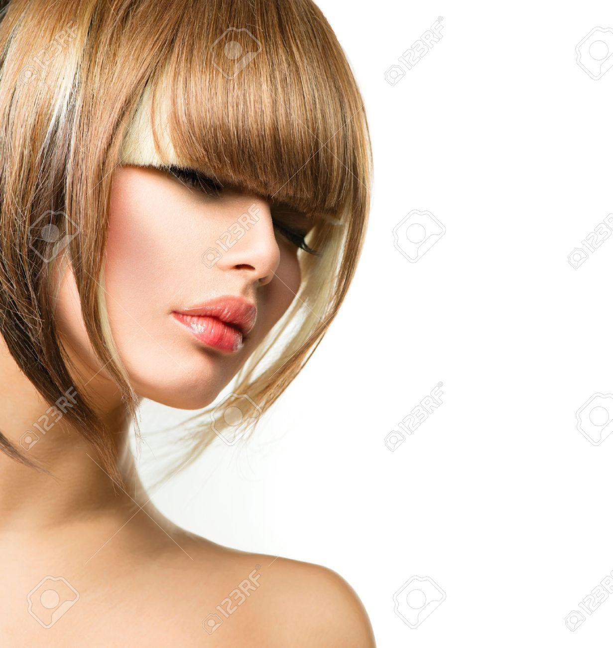 Souvent Belle Coiffure Pour Cheveux Court - Watson Est Devenue Une  HG95