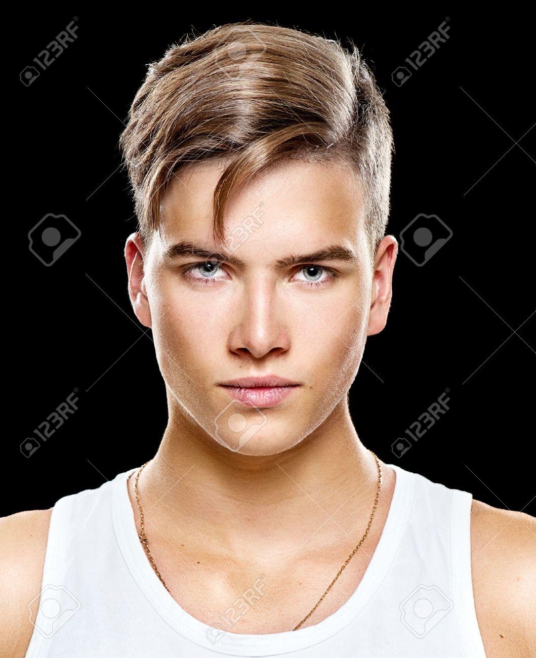Beau Jeune Homme beau jeune homme. mode homme jeune modèle portrait banque d'images