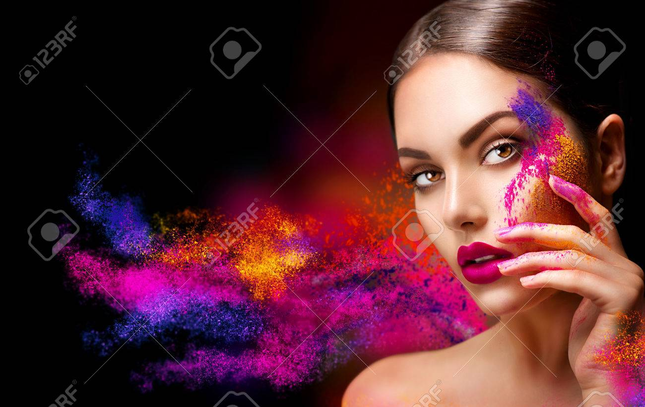 Beauty woman with bright color makeup Banque d'images - 58925072