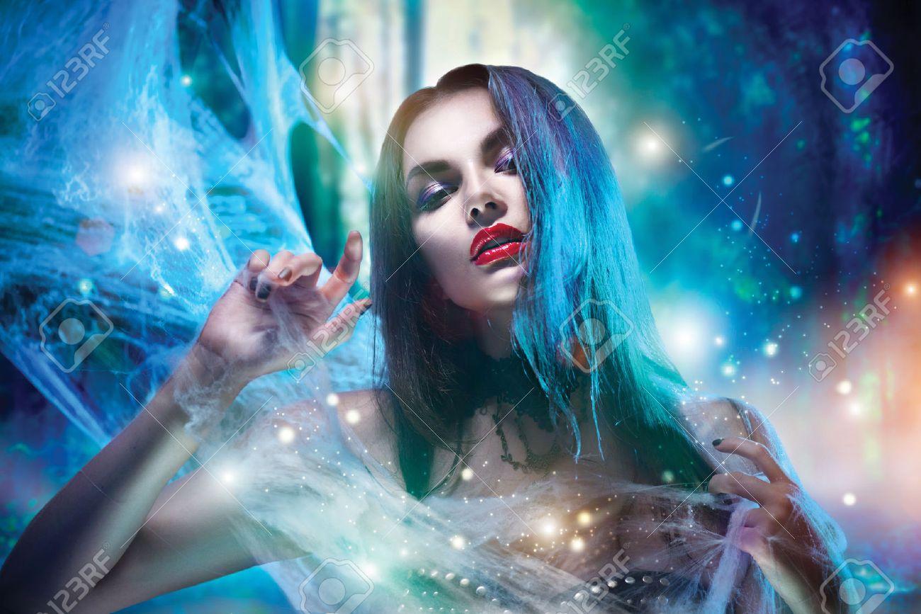 vampire femme Halloween portrait Banque d'images - 63175193