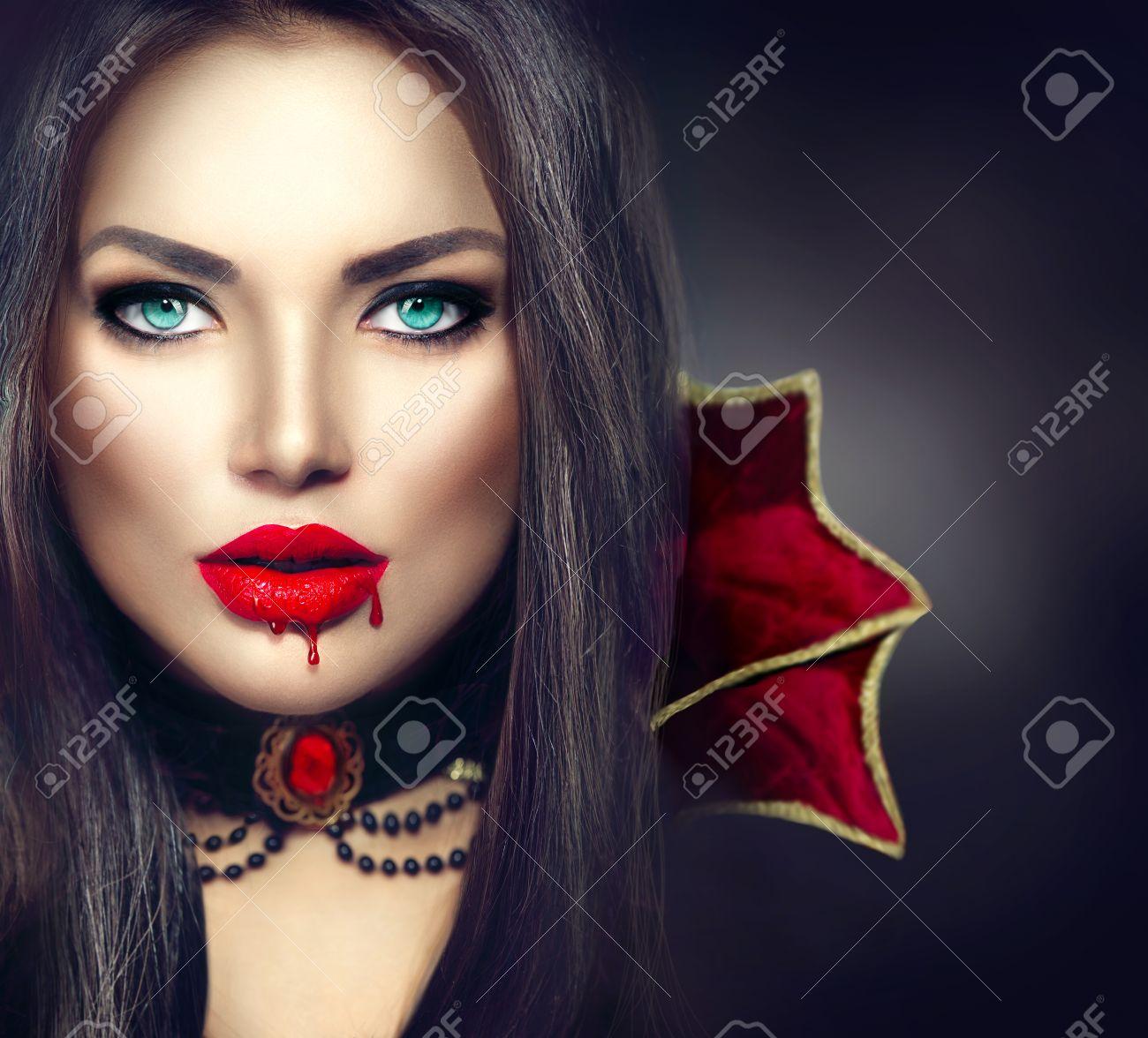 Красивый женский рот онлайн