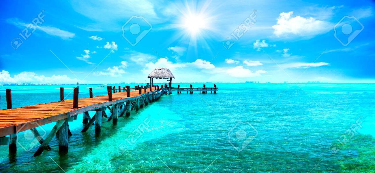 île des Caraïbes exotiques. station balnéaire tropicale. concept Voyage ou vacances Banque d'images - 73661792