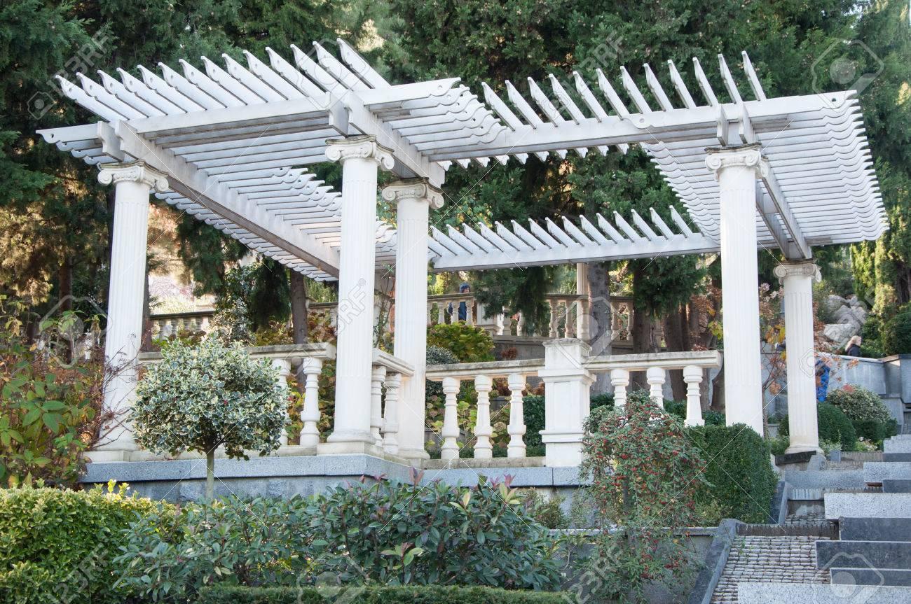Mobilier De Jardin Ancien Sur La Terrasse En Haute Qualité Banque D ...