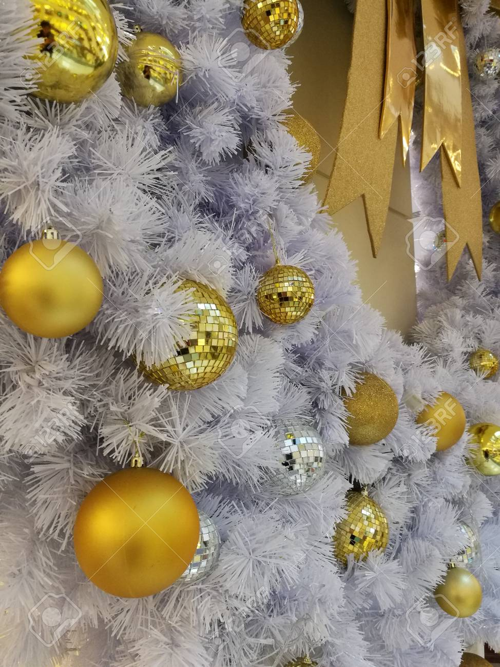 White Christmas Tree Decoration Ornaments And Hanging Disco And