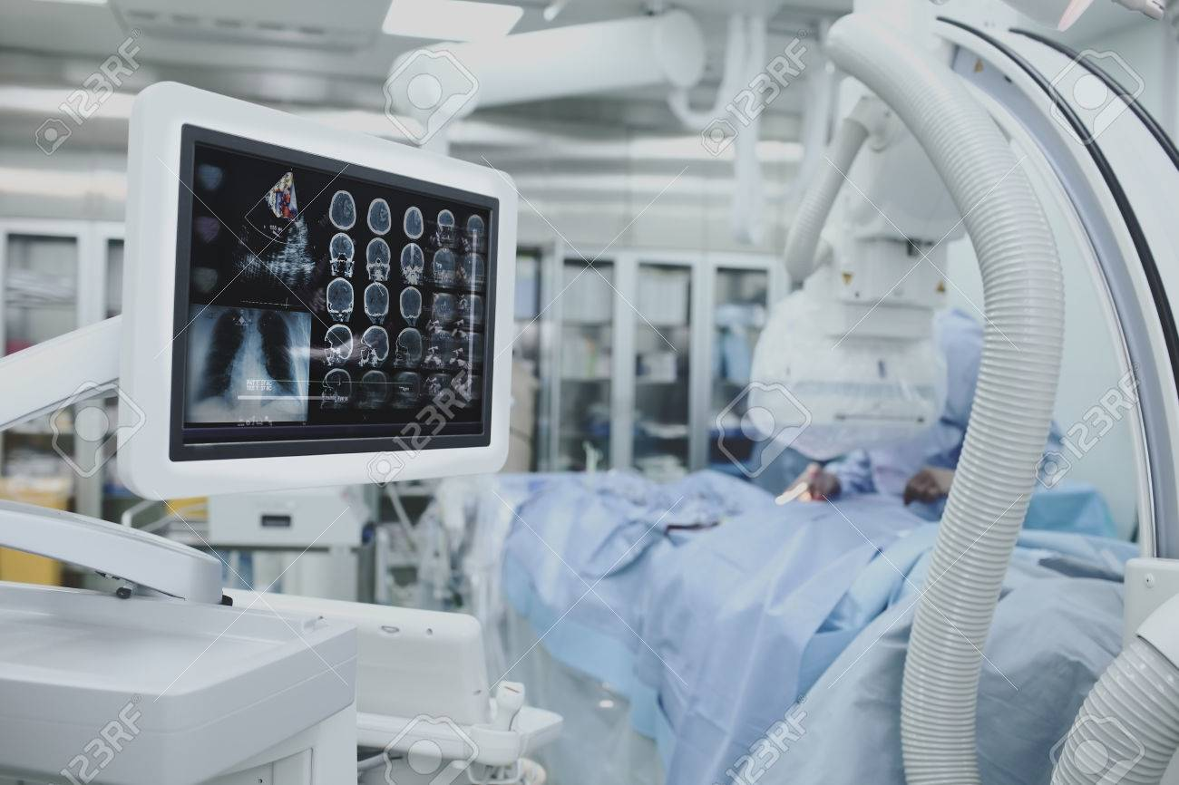 Advanced technology, collection of patient tests on the monitor during surgery. - 61422021