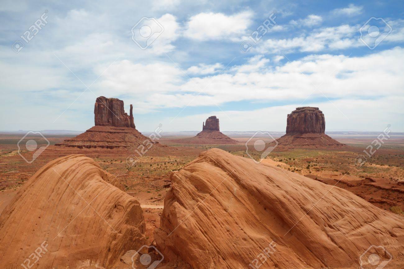 Monument Valley Stock Photo - 13916551