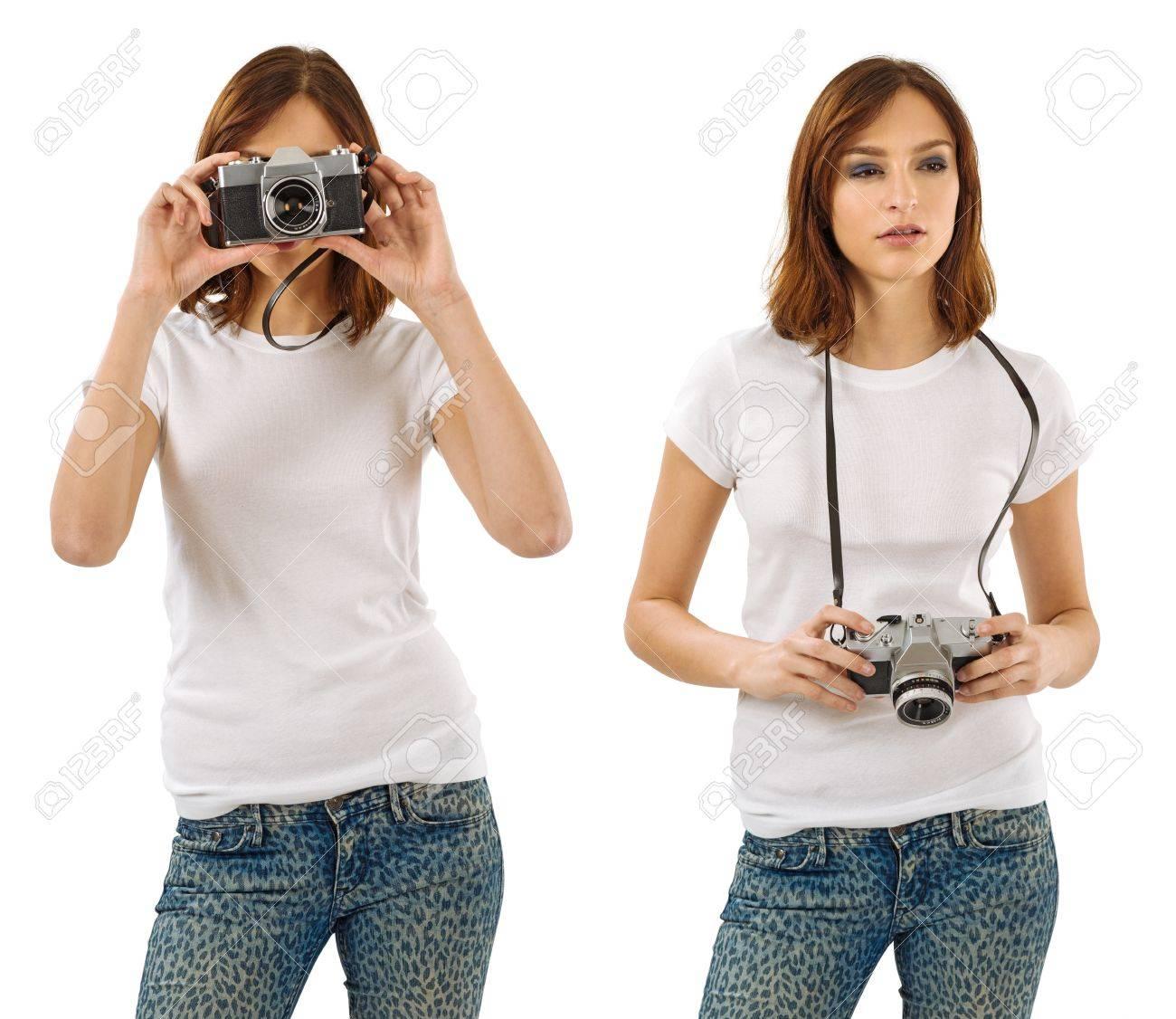 e048e5ab440f9 ... Photo d une belle jeune femme sexy avec chemise blanche vierge tenant  un appareil 1. chemise femme fashion sexy cintree manches longues ...