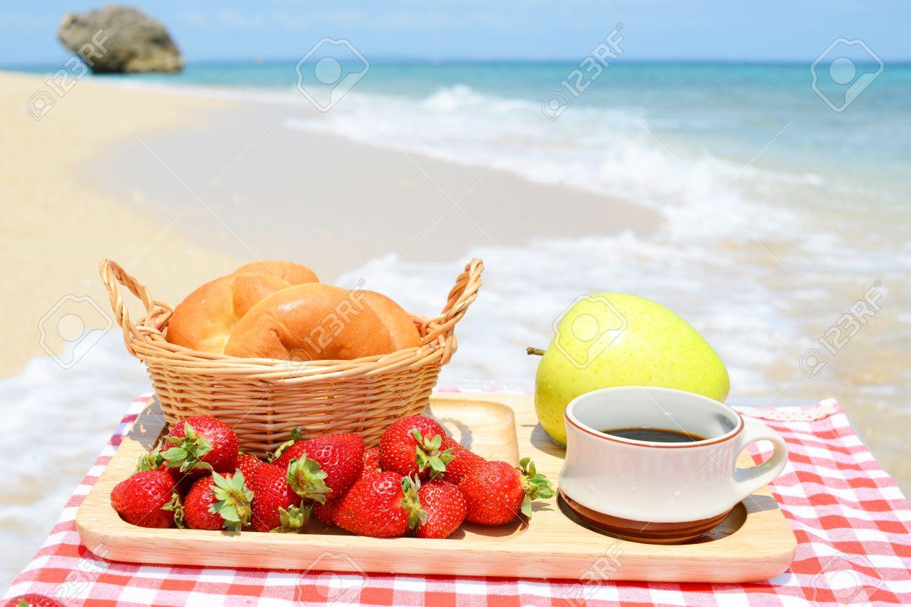 Mercredi 30 juin 28277754-petit-d%C3%A9jeuner-sur-la-plage