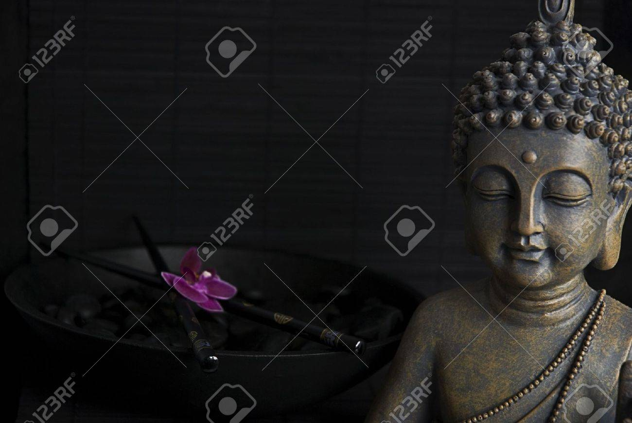 Buddha statue and orchid flower Stock Photo - 6550594