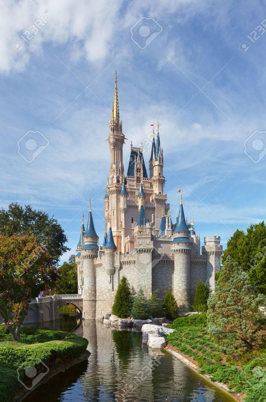 MAGIC KINDOM DISNEYWORLD, ORLANDO, FLORIDA, USA - DEC 27 The ...
