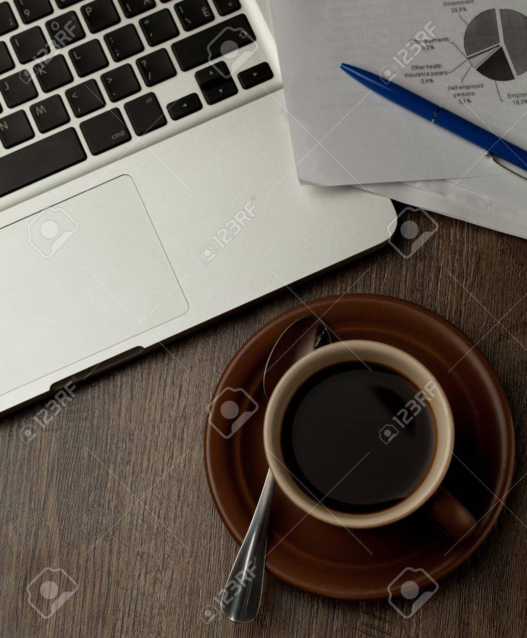 modern office desktop Stock Photo - 16147159