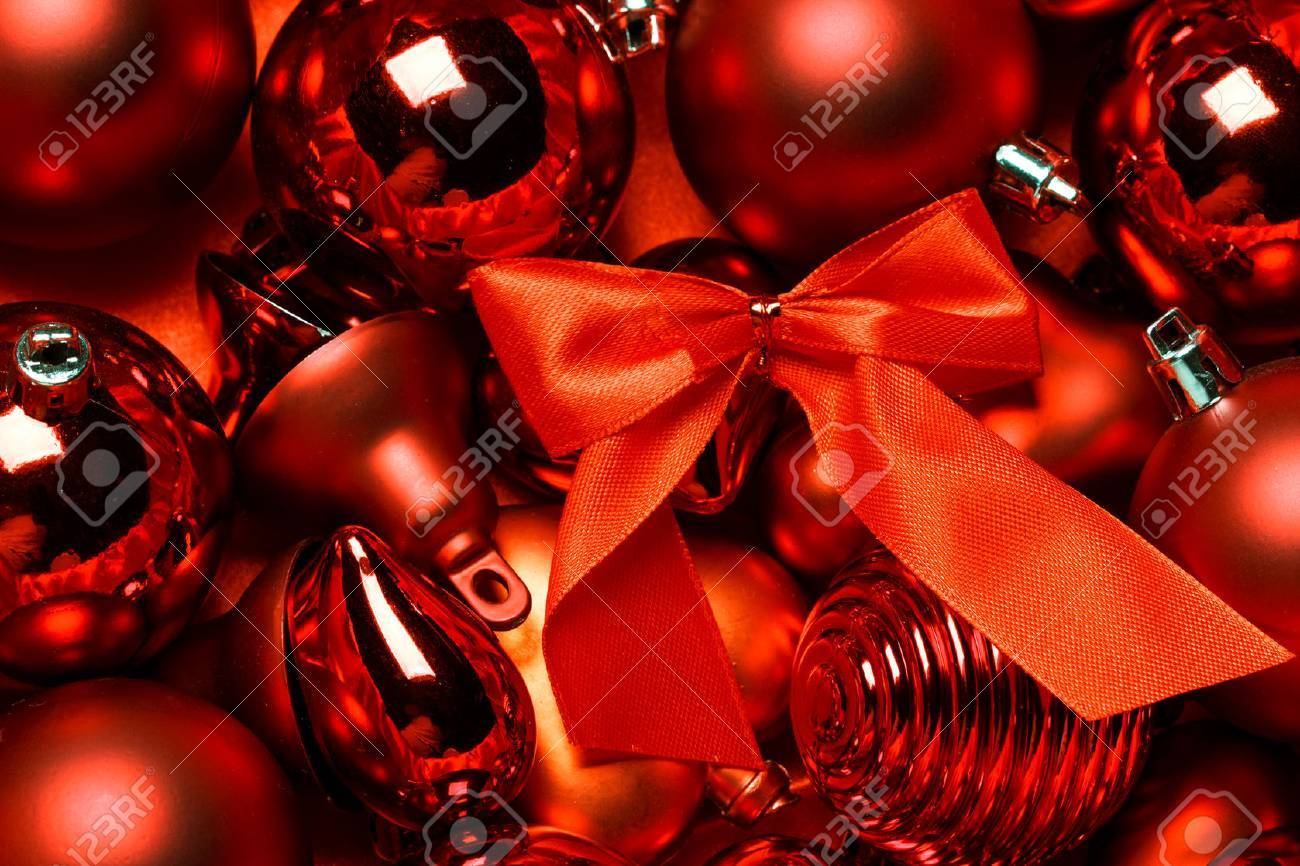 Red vintage christmas ornament background - 47650764