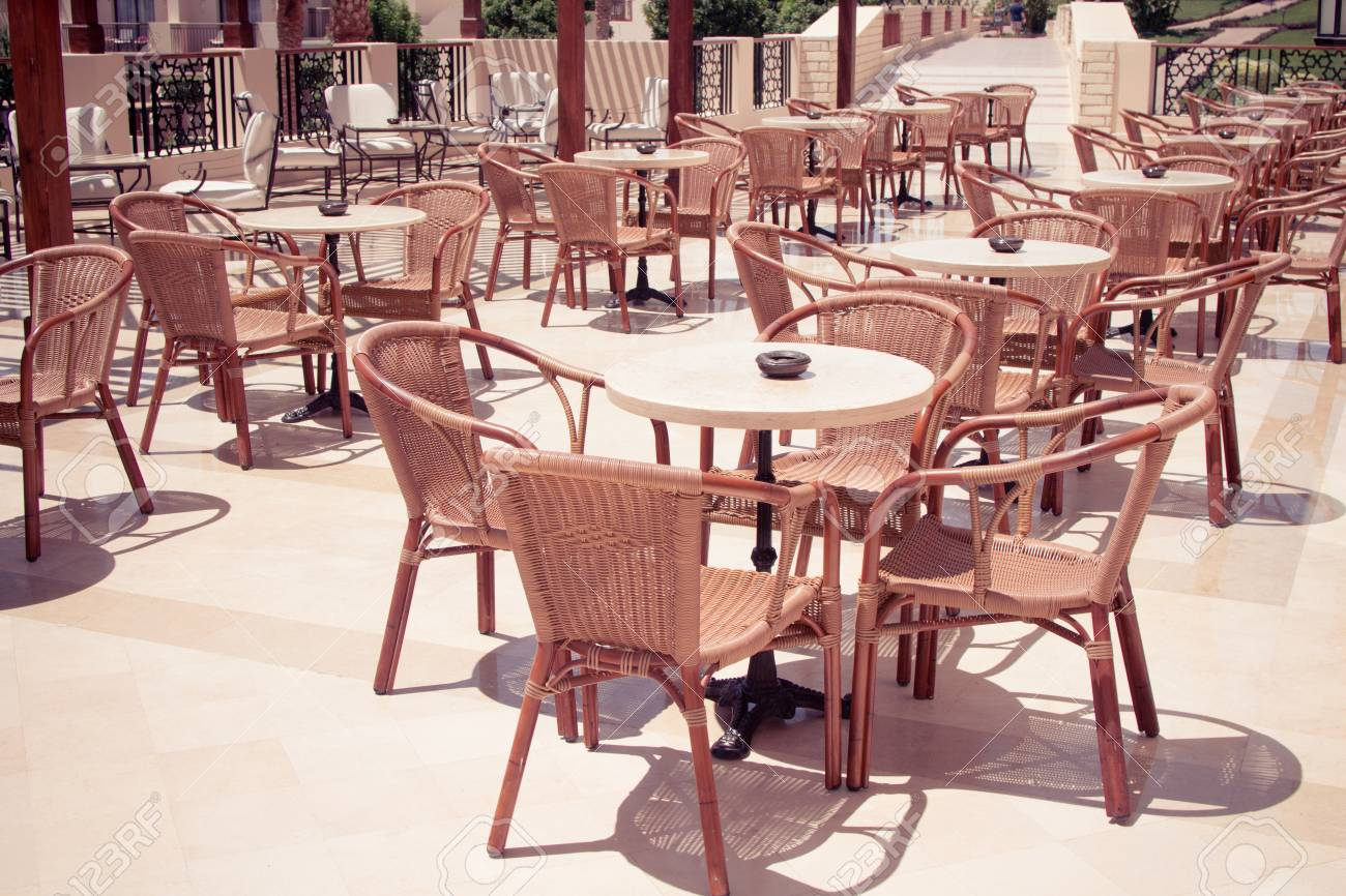Cafeteria Outdoor Cafe Tables And Chairs Outdoor Restaurant