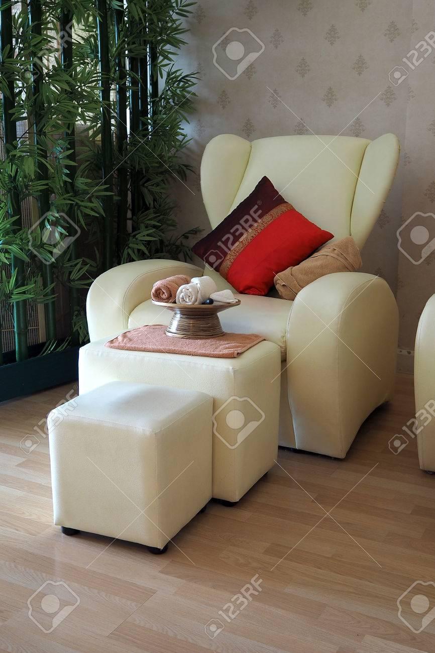 Thai Massage Stuhl Ist Berühmt In Der Welt Standard Bild   71349087