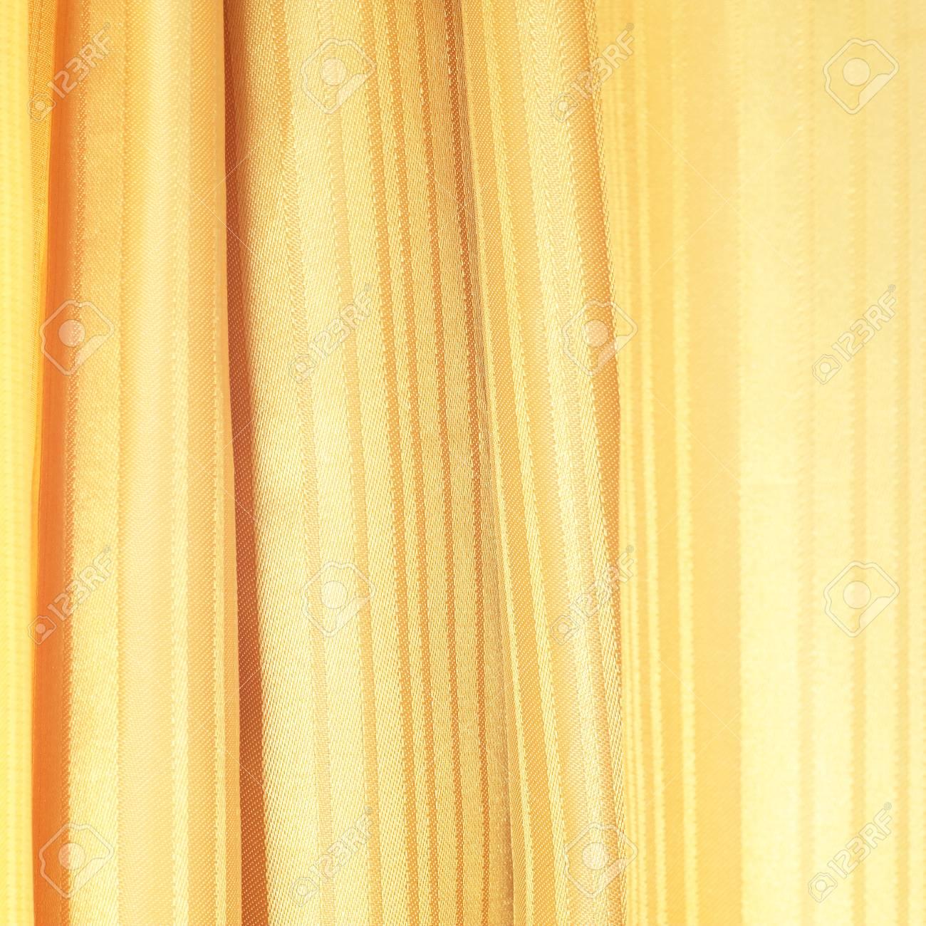 texture de soie pour le fond, la couleur brun doré. banque d'images