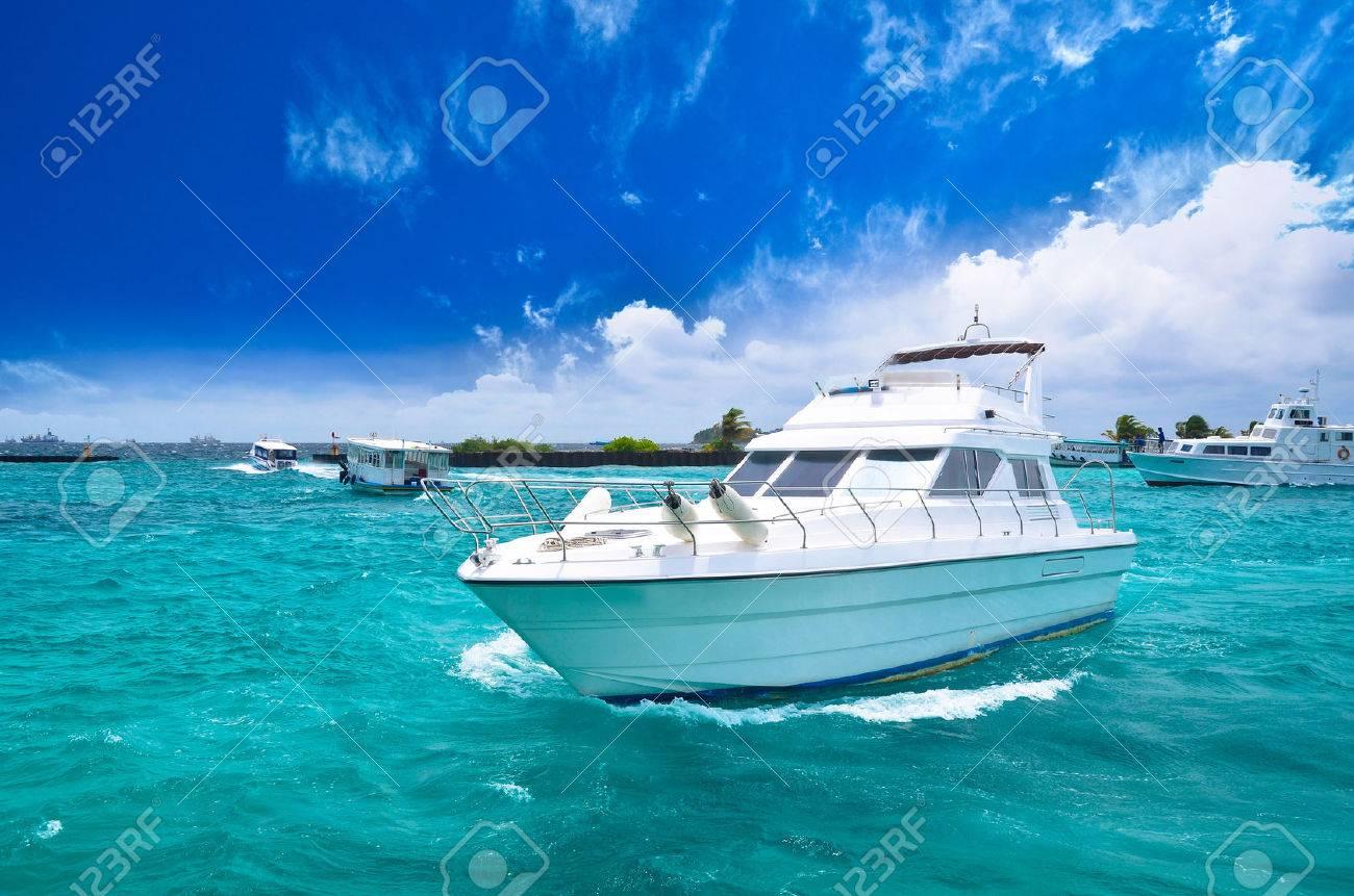 Luxury yatch in beautiful ocean - 22942004