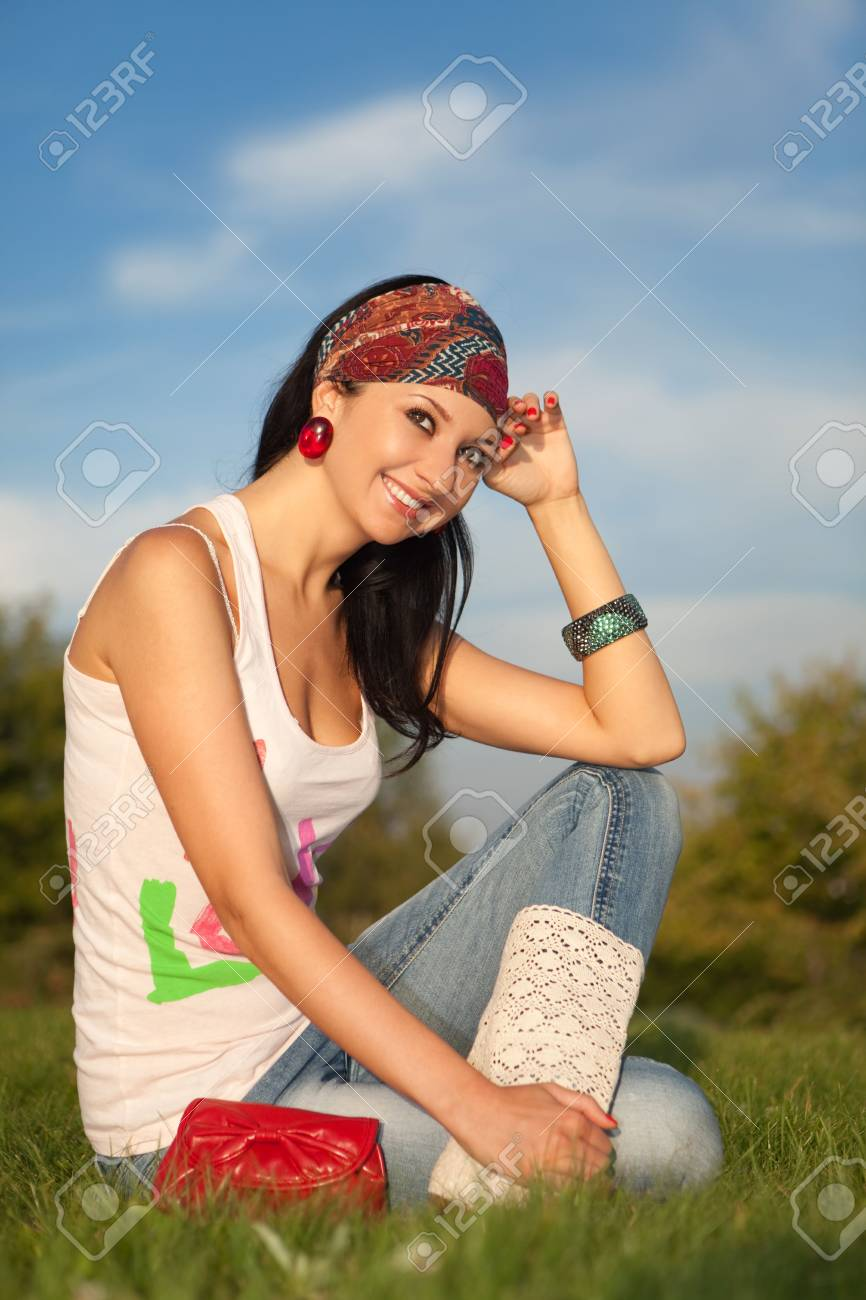fashion woman rest in the park Stock Photo - 5528657